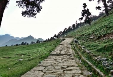 Why Deoriatal Chandrashila is a great trek for beginners? - Justwravel