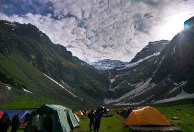 Seven Reasons to trek the Rupin Pass - Justwravel