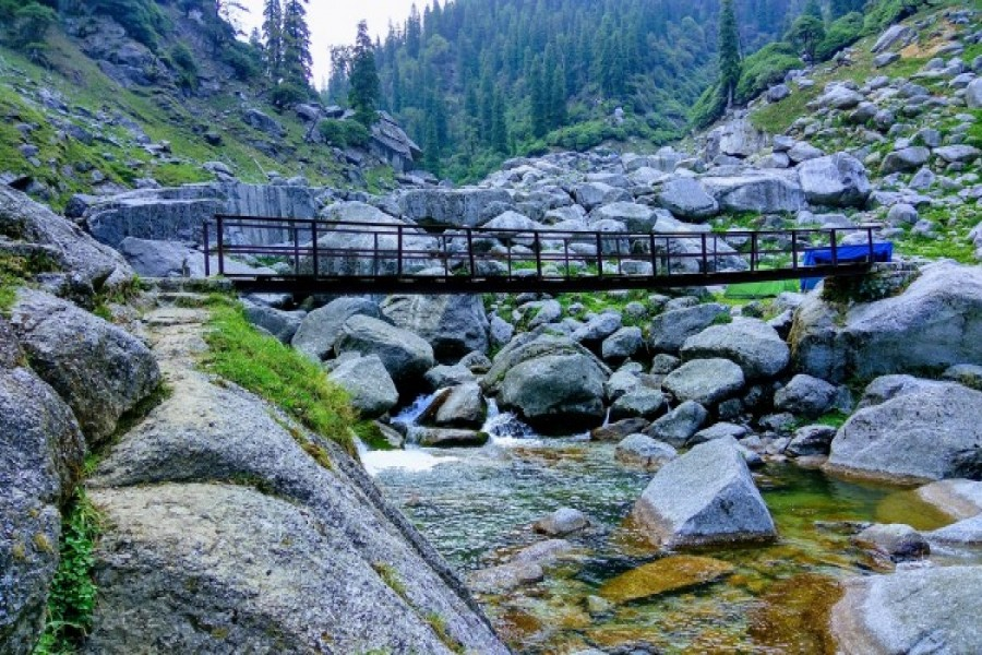 Bridge required to cross to reach Reoti campsite