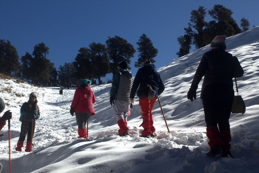 Group going towards summit